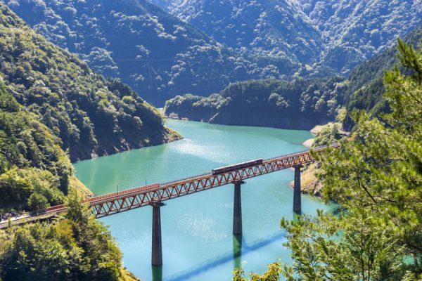 3717新緑の大井川鉄道SL列車と南アルプスあぷとライン&日本平ロープウェイ&寸又峡1泊2日